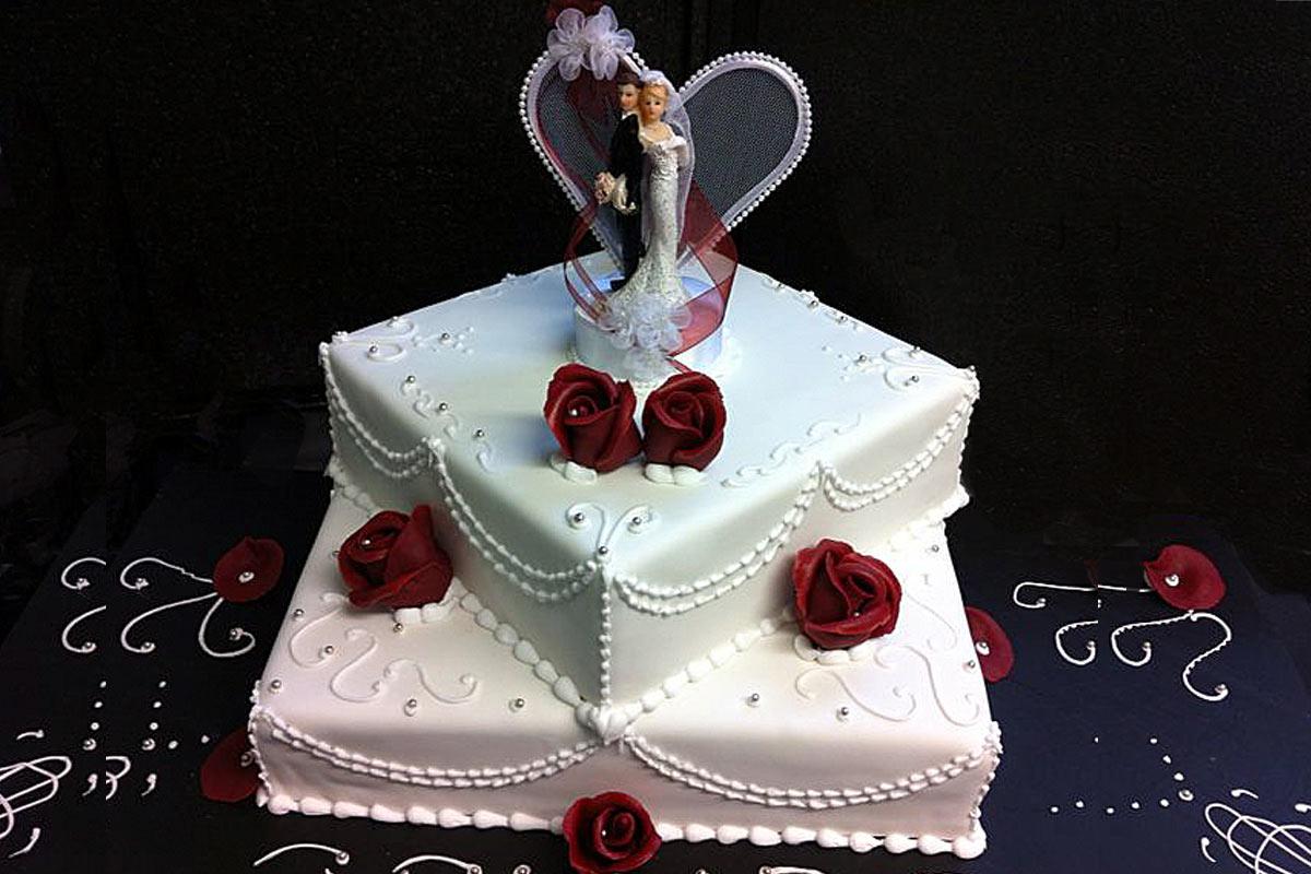 Hochzeitstorte, quadratisch/zweistöckig  Tortenspitze